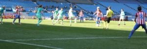 Partido en el Vicente Calderón entre el Atlético de Madrid y el Barcelona: Ravelo.