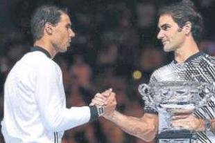 Roger Federer recibe la enhorabuena de Rafa Nadal: Agencias.