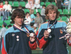 Los primeros héroes del tenis español olímpico fueron Emilio Sánchez Vicario y Sergio Casal, subcampeones en Seúl 88: EFE.