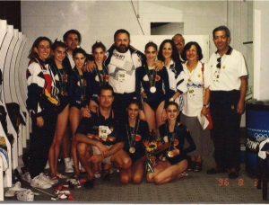 Las campeonas olímpicas de Atlanta junto al cuerpo técnico: Foto cedida por Marisa Mateo.
