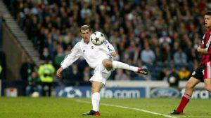 La Novena del Madrid siempre será recordada por la volea de Zidane: RTVE.
