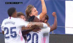 Barcelona 1-3 Real Madrid. Los madridistas celebran el gol de Modric: LaLiga.