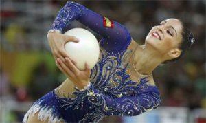 Carolina Rodríguez con la pelota en Río 2016: Reuters.