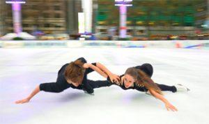 Gage Brown y Oona Brown en el ejercicio que se ha hecho viral: You Tube.