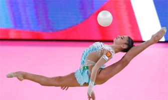 Aleksandra Soldátova con la pelota: EFE.
