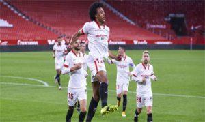 Jugadores del Sevilla celebran el gol de Koundé al Barcelona en semifinales de la Copa del Rey: Getty Images.