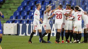 Los jugadores sevillistas celebran un gol ante el Getafe: EFE.
