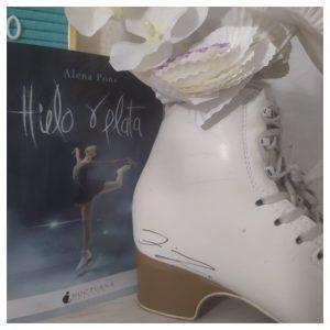 Alena Pons puede presumir de tener unos patines firmados por Javier Fernández: Foto cedida por Alena Pons.