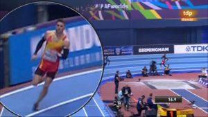 Óscar Husillos, descalificado del Mundial por pisar ligeramente la línea: RTVE.