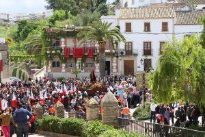 Tanto la hermandad de San Juan como toda Santaella extraña a rabiar momentos como este de 2009: Ravelo.