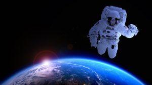 Astronauta viajando por el espacio: RF.
