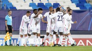 Los jugadores del Real Madrid celebran la victoria de ida en cuartos frente al Liverpool: As.