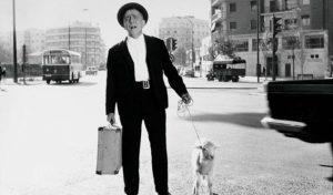 """Paco Martínez Soria en la película """"Abuelo Made in Spain"""": El Mundo."""