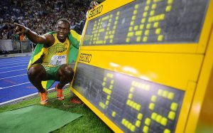 En el Mundial 2009, Usain Bolt volvió a batir récord en 100 metros lisos, esta vez, con 9:58: AFP.