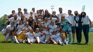 El Real Madrid celebra su billete para la Champions: Real Madrid.