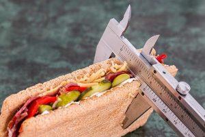 Tanto las personas con vigorexia como las personas con ortorexia están obsesionadas con las dietas estrictas: RF.