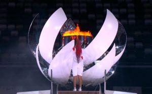 Naomi Osaka enciende el pebetero olímpico: Agencias.